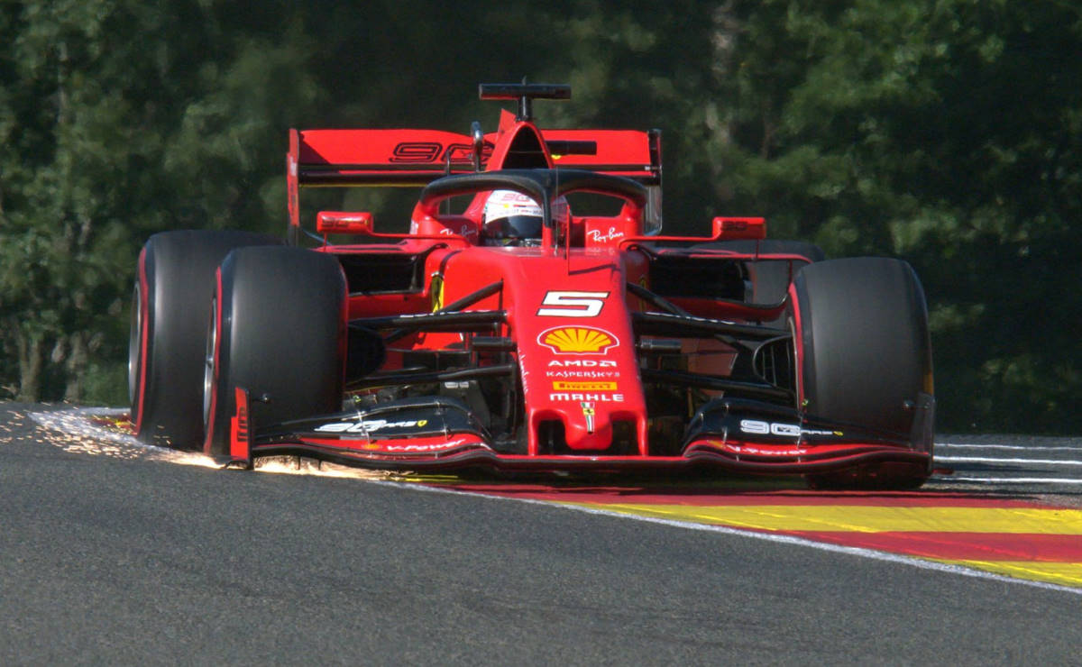 Gp Belgio, Leclerc in pole davanti a Vettel