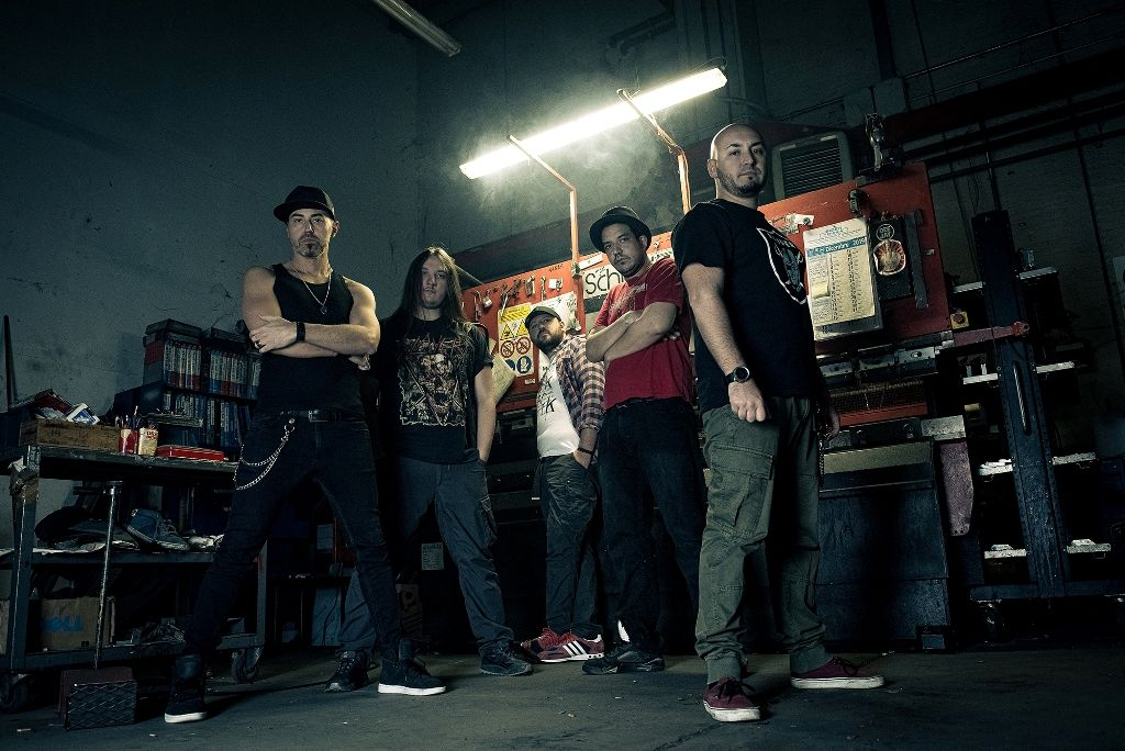 Drunken Masters: il metal di The Old Skull incontra il rap di DSA Commando)