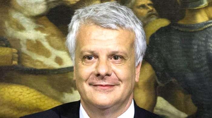 Galletti, ministro dell'ambiente, contro il referendum del 17 aprile