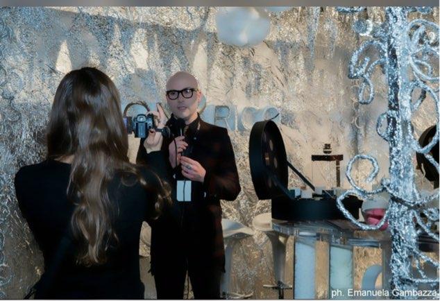 Onyrico rappresenta il viaggio italiano tra magia e sensazioni il fashion blogger amato dal pubblico e dalla stampa ospite a Esxence 2017