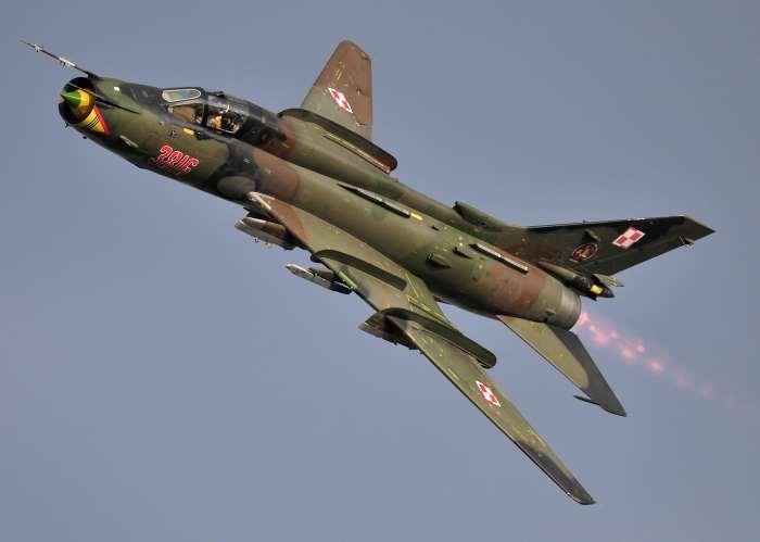 Gli americani abbattono un caccia siriano a sud di Raqqa