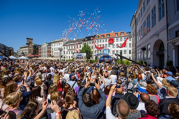 Bresciani presenti alla apertura di Scientology nel centro di Copenaghen