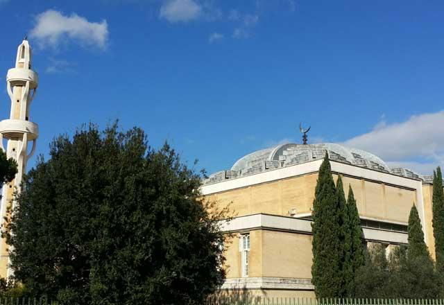 Fra piccole e grandi moschee, l'Islam a Roma