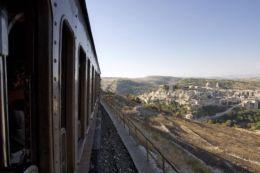 """Gli appuntamenti """"Treni storici dei Templi e del Barocco"""" tra Scicli e Ragusa"""