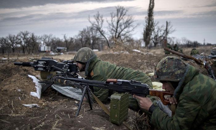 Ucraina: Milizia Donbass afferma che esercito ucraino ha bombardato le repubbliche di Donetsk e Luga