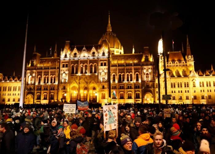 Budapest: nuove proteste di massa contro la