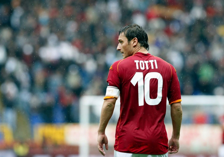 Quaranta anni e non sentirli: Francesco Totti!