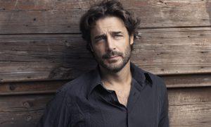 Daniele Pecci dirige l'Amleto a teatro, il successo dell'attore dopo Orgoglio [ESCLUSIVA]