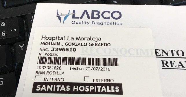La foto della visita medica effettuata da Higuain
