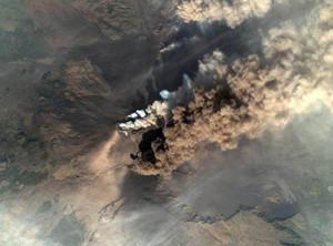 Etna: colata dal cratere di Sud-Est