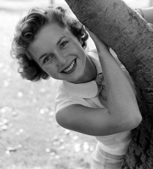 Ricordando Debbie Reynolds, madre di Carrie Fisher e famosa protagonista di Cantando sotto la pioggia