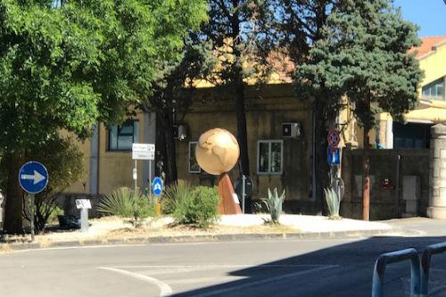 Enna: il monumento donato dai Lions Italiani e dal Club Ennese collocato sulla rotonda di viale Diaz