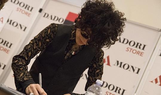 Laura Pergolizzi, in arte LP, ha presentato il nuovo album alla Mondadori di Milano, ecco le foto!