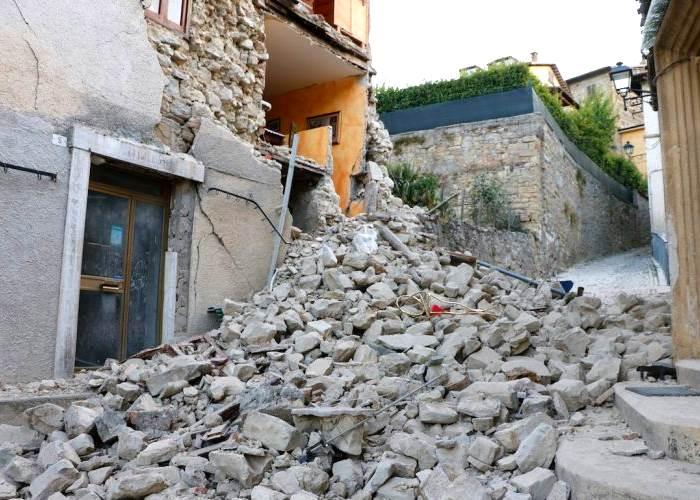 Il terremoto del Centro Italia e i ritardi evidenti di governo e istituzioni