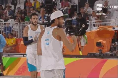 Lupo e Nicolai in finale nel beach volley, il Settebello batte la Grecia e vola in semifinale