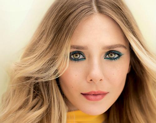 """Elizabeth Olsen da """"Captain America"""" alla cover di Allure"""