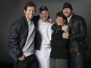 """Al via su Blaze """"Wahlburgers: panini di famiglia"""" dal 27 marzo con Paul, Donnie e Mark Wahlberg"""