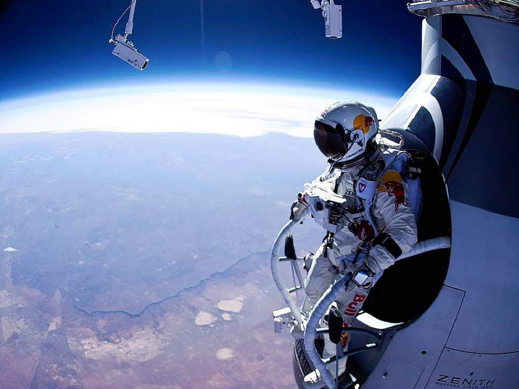 14 ottobre 2012: Felix Baumgartner si lancia da oltre 35 mila metri di altezza