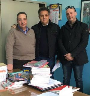 Valguarnera, il club Juventus devolve all'istituto Mazzini materiale didattico-educativo