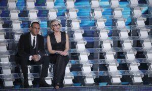 Sanremo 2017: prima serata, i look di Maria De Filippi [FOTO]