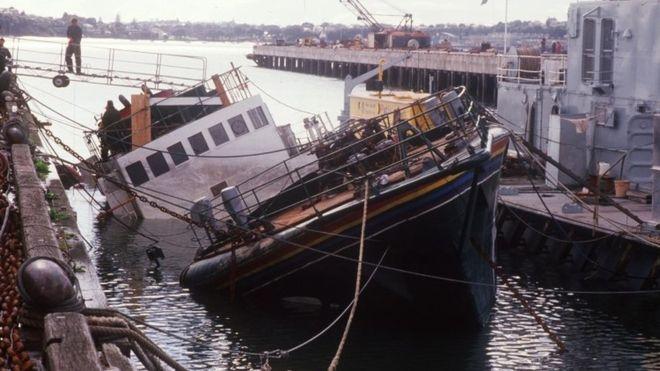 10 luglio 1985: I servizi segreti francesi affondano la Rainbow Warrior di Greenpeace
