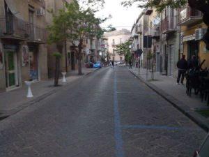 Valguarnera strisce blu in via Sant'Elena, i commercianti non ci stanno