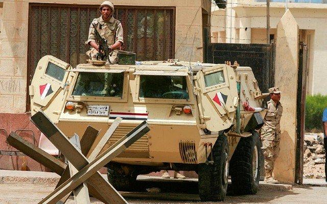 Egitto: 10 soldati egiziani uccisi in scontri con i jihadisti nel centro del Sinai » Guerre nel Mond