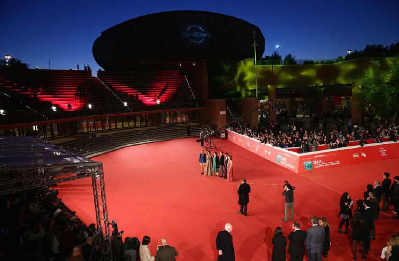 Hanno avuto meno clamore mediatico, tuttavia alla Festa del Cinema di Roma 2016 ci sono anche altre interessanti pellicole