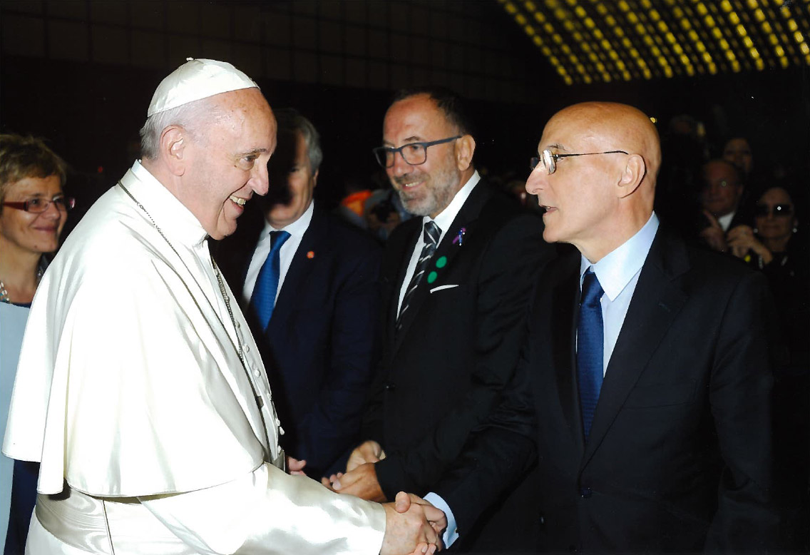 Piero Di Lorenzo incontra Papa Francesco durante l'Huntington Day