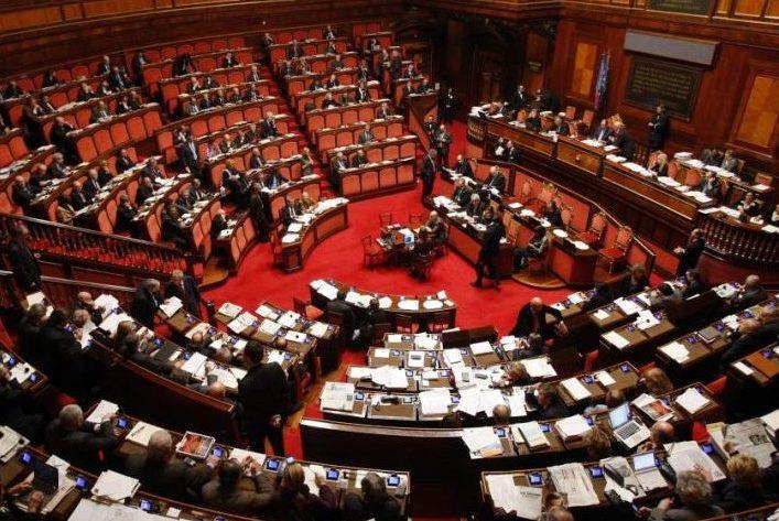Il decreto salva banche è stato approvato anche al Senato così come imposto da Intesa Sanpaolo