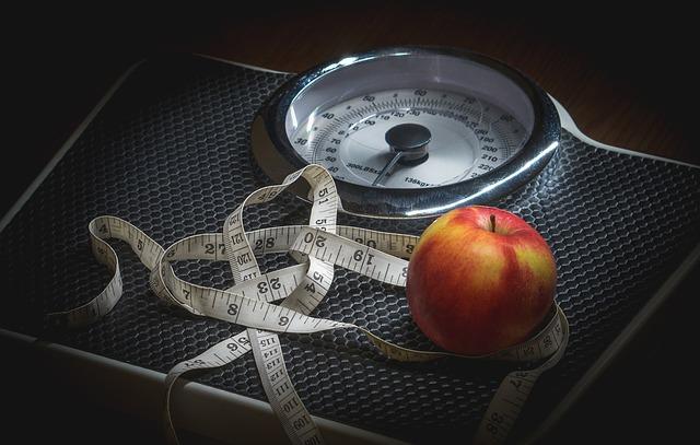 Saltare la colazione e dormire a orari irregolare tra le cause dell'obesità infantile