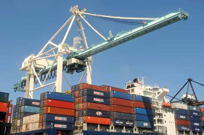 Istat, in aumento il commercio estero a dicembre 2016
