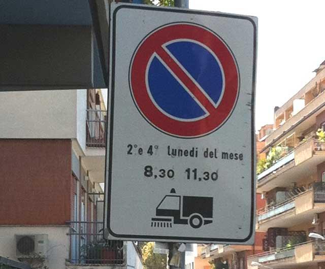 Pulizia strade, ipotesi divieti di sosta a tempo?