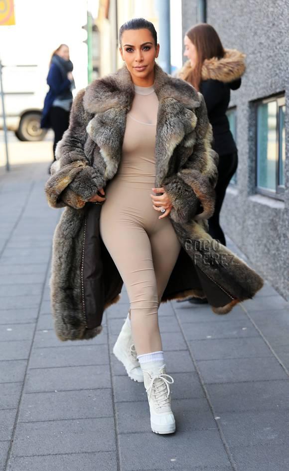"Kim Kardashian, ""all beige"" per Kanye"