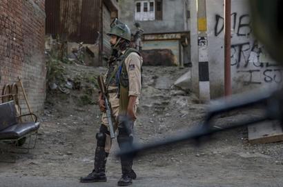 India: 3 combattenti Hizbul Mujahideen e 2 soldati indiani uccisi in scontro armato nel Kashmir » Gu