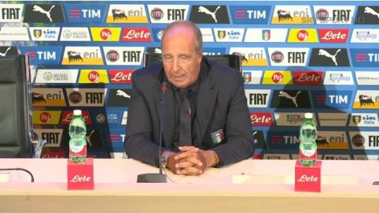 Ventura si presenta alla stampa e promette un'Italia umile, feroce ed eccitante