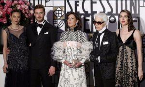 Da Charlotte Casiraghi a Beatrice Borromeo con Karl Lagerfeld al Ballo della Rosa 2017