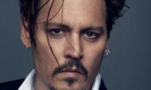 Johnny Depp si amputa un dito in un impeto di ira contro la moglie