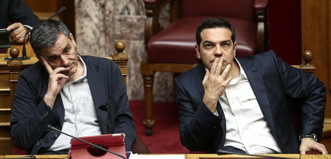 Svolta nella crisi greca: l'Eurogruppo approva nuovi aiuti e la ristrutturazione del debito