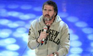 Adriano Pappalardo, paura per il cantante: incidente in parapendio