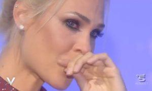 Ilary Blasi scoppia a piangere a Verissimo. Ecco cos'ha detto Silvia Toffanin [VIDEO]