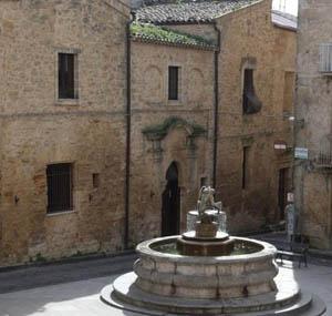 """Enna. Quartiere San Tommaso """"RicominciAMO"""" musica, arte, cultura e food"""