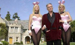 """Hugh Hefner: venduta la sua """"Playboy Mansion"""" per 100 milioni di dollari"""