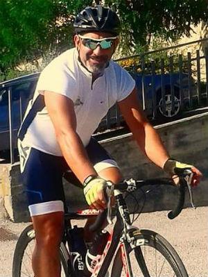 Enna. Sulla Pergusina pirata (Alfa Romeo 147 colore amaranto) investe ciclista. Deceduto Maurizio...
