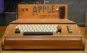 Steve Jobs – ripercorriamo insieme le tappe delle sue invezioni