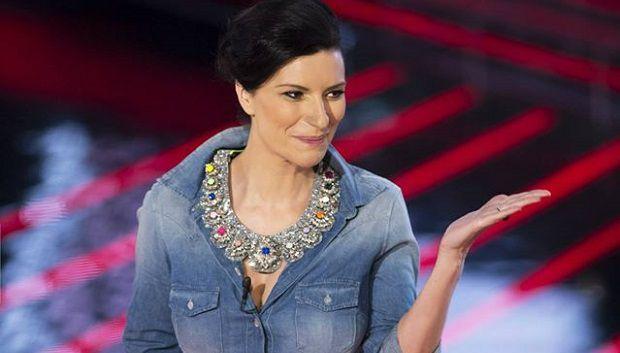 """""""Lo sapevi prima tu"""" è il nuovo singolo di Laura Pausini"""