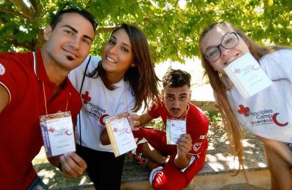 """""""Anche tu puoi dare una mano alla Croce Rossa Italiana"""""""