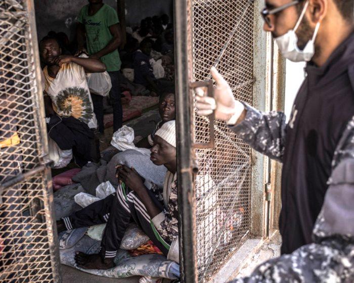 MSF: I governi europei responsabili di alimentare in Libia un sistema criminale di abusi