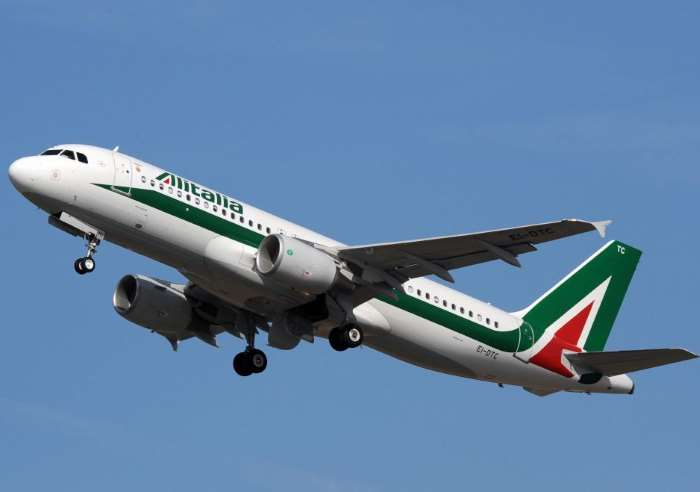 Alitalia, via alla vendita con il bando pubblicato il 1 agosto. Si chiude il 5 novembre 2017