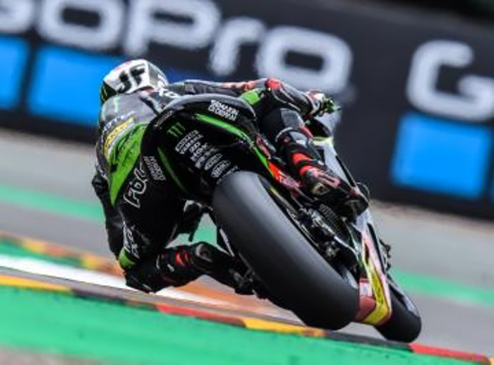 MotoGP 2017. In Germania è di nuovo Marquez a tagliare per primo il traguardo del Sachsenring. Rossi solo quinto